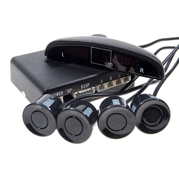 Парктроник с 4 датчика цветен LCD дисплей , Звукова сигнализация.